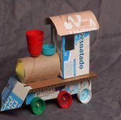 Trem de caixa de leite e rolinho de papel higiênico!