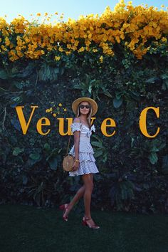 Nadire Atas on What To Wear To A Polo Match What to Wear to the Veuve Clicquot Polo Classic. Polo Classic, Classic Style, Classic Fashion, Lisa Robertson, Havanna Nights Party, Veuve Cliquot, Aperol, Polo Outfit, Patio Design