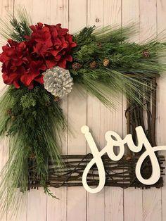 New Diy Christmas Wreath Large 21 Ideas Large Christmas Wreath, Christmas Swags, Christmas Mantels, Holiday Wreaths, Rustic Christmas, Christmas Decorations, Diy Christmas, Silver Christmas, Christmas Villages