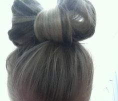 The bow is so cute I love it!!!<3