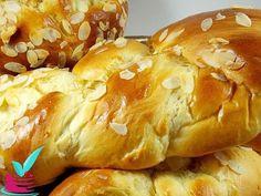 Βγαζει 3 μεγαλα τσουρεκια.Μπορειτε να φτιαξετε 4 μεσαιου μεγεθους,η' να φτιαξετε μικρα ατομικα τσουρεκακια. Μπορειτε επισης να τα κανετε γεμιστα με σοκολατ Sweets Recipes, Easter Recipes, Cooking Recipes, Greek Desserts, Greek Recipes, Greek Cooking, Almond Cookies, Holiday Baking, Breakfast Recipes