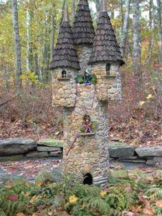 Fairy Castle, Cape Cod Lavender Farm---- cute for small treefort for girls. Fairy Crafts, Garden Crafts, Garden Art, Garden Ideas, Fairy Garden Houses, Gnome Garden, Fairies Garden, Walking Paths, Fairy Furniture