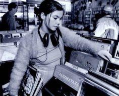 Bjork shopping for records