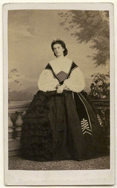 Younger sister to Elisabeth -  Maria Sophie of Bavaria, (4 October 1841, Possenhofen Castle – 19 January 1925, Munich) was the last Queen consort of the Kingdom of the Two Sicilies.