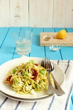 Linguine al pesto di rucola con feta e limone candito - Linguine with arugula pesto with feta cheese and candied lemon