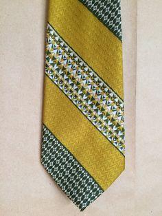 vintage 70 s 1970 s wide tie   necktie   menswear   mustard and green tie    mens. Vintage ClothingMustárNyakkendők1970 Es ÉvekZsírok 2a8a7b74a0
