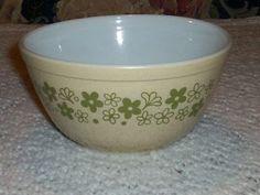 Vintage Pyrex 402 Speckled Spring Blossom Green Crazy Daisy Mixing Bowl Dot | eBay