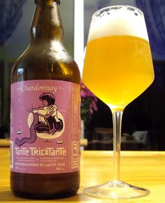 Tante Tricotante Chardonnay - Microbrasserie Du Lac St-Jean craftbeerquebec.ca Lac Saint Jean, Beer 101, Beers Of The World, Beer Brands, Wine Night, Wine Reviews, Wine Refrigerator, Expensive Wine, Wine Tote