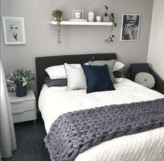 best modern bedroom wall decor ideas to try 00017 Room Ideas Bedroom, Home Decor Bedroom, Modern Bedroom, Bedroom Wall, Diy Bedroom, Couple Bedroom Decor, Small Minimalist Bedroom, Natural Bedroom, Bedroom Boys