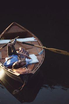 rowboat engagement photos