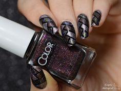 Textured fishtail braid nails