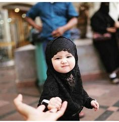 baby, hijab, and islam image Cute Little Baby, Cute Baby Girl, Little Babies, Cute Babies, Baby Kids, Baby Hijab, Girl Hijab, Hijabs, Moslem
