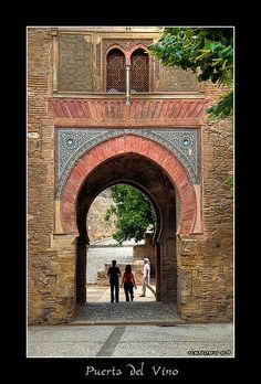 La Puerta del Vino | Flickr