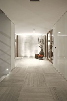 stone flooring As one of the innovative and extremely talented designers of B amp; T Design, Tanju Ozelginnever fails to amaze. Decor Interior Design, Modern Interior, Interior Architecture, Interior And Exterior, Interior Decorating, Stone Interior, Design Furniture, Art Furniture, Contemporary Architecture