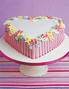 Teddy Bear Love – Sweet Love Cake Couture…Red and blue for post office theme AND stick figures! Tartas festivas Just Hearts :-) DIY Heart Cake ♥ Great for any o… Gorgeous Cakes, Pretty Cakes, Amazing Cakes, Heart Shaped Cakes, Heart Cakes, Bolo Floral, Floral Cake, Fancy Cakes, Mini Cakes