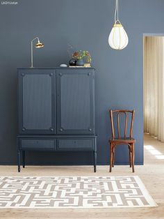 Jotun& color LADY 4477 Deco Blue interpreted by the Plaza Interior. Styling: Elin Hermansson Photo: Helén Pe Source by andrejkalkofol. Interior Design Living Room, Living Room Decor, Interior Decorating, Color Interior, Interior Styling, Dining Room, Ikea Ps, Home And Deco, Interior Design Inspiration