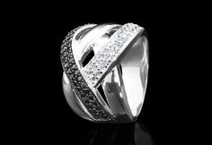 Bold, glam and stunning! The multi-wrap ring. Rings For Men, Take That, Sparkle, Stylish, Classic, Jewelry, Derby, Men Rings, Jewlery