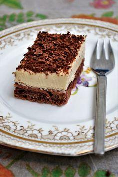Prajitura cu nuca si mascarpone Cake Design For Men, Cake Recipes, Dessert Recipes, Tiramisu Cake, Cakes For Men, Healthy Desserts, Nutella, Deserts, Food Porn