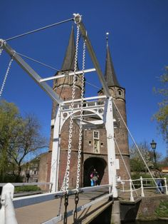 Find things to see and do in Delft at:  http://mikestravelguide.com/one-of-the-many-canals-in-delft/