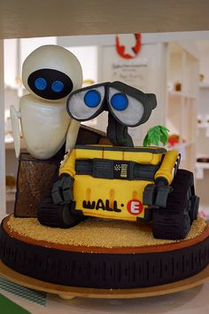 cool wall-e and eve cake