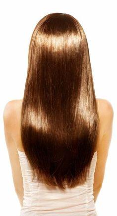 Deine Haare brauchen mal wieder ein Wellnessprogramm? Dafür musst du nicht extra viel Geld beim Friseur ausgeben, sondern kannst deine Haare ganz einfach selbst laminieren. Wie das funktioniert, verraten wir dir auf unserem Blog. hair / hair trends / girl / woman / Haare / Haarpflege / laminieren / Tipps / hacks / 2018 | Stylefeed