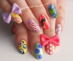 Kyary Pamyu Pamyu Ponponpon nails (not sure how the bows will survive hand washing, but super cute nonetheless)