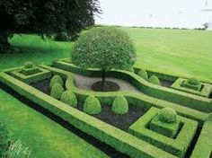 Best Ideas For Formal Garden Design - In this article we will discuss how to design a strictly formal garden on a large, rectangular area. Designing formal garden needs a little bit of hard work o Boxwood Garden, Garden Hedges, Topiary Garden, Garden Landscaping, Landscape Architecture, Landscape Design, Formal Garden Design, Formal Gardens, Modern Gardens