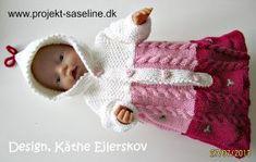 Baby born opskrifter 43 cm. Kørepose i tre farver med snoninger ned for og bog samt broderede Millefleursting