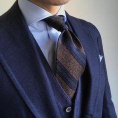 rm55さんはInstagramを利用しています:「#fashion #mensfashion #instafashion #menswear #mensstyle #menslook #dapper #outfit #ootd #coordinate #classydapper #sarto #tailor…」 Blazer Fashion, Suit Fashion, Three Piece Suit, Jacket Dress, Well Dressed Men, Gentleman Style, Dress For Success, Fashion Killa, Mens Suits