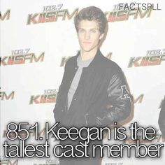 Keegan é o membro mais alto do elenco