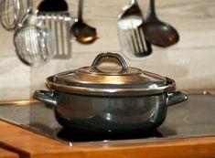 Plynový sporák alebo indukčná varná doska? Kitchen Magic, Witches Kitchen, Red Kitchen, Kitchen Items, Kitchen Tools, Kitchen Gadgets, Kitchen Witchery, Double Boiler, O Gas