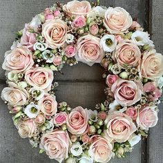 by meijerroses Love is in the air! Have a wonderful day, bouquet by @djursholmsblommor #meijerroses #djursholmsblommor #sweetavalanche #valentine #luxuryroses