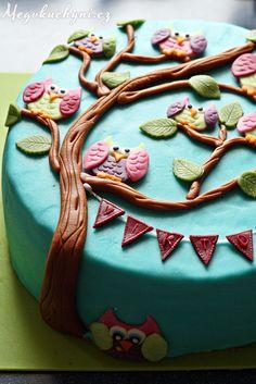 Bezlepkový, borůvkový, soví dort | Gluten-free marzipan owl cake with blueberries