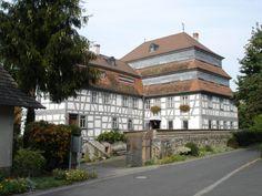 Die ersten Papiermühlen in Europa leiteten den Siegeszug des Papiers ein, der bis heute ungebrochen anhält.