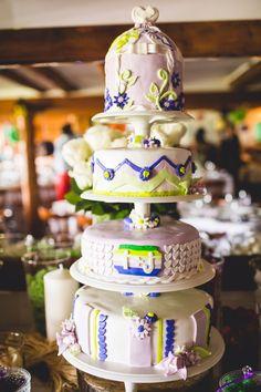 Mon gâteau de mariage avec fondant lilas et vert.