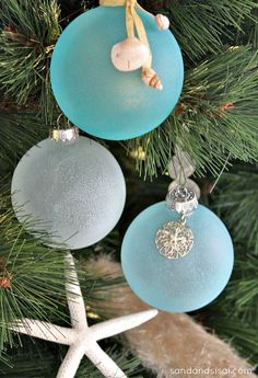 Home Tour Sea Glass Ornaments by SAND - and Sisal --- DIY. How cool.they illuminate at night when the lights are on.Sea Glass Ornaments by SAND - and Sisal --- DIY. How cool.they illuminate at night when the lights are on. Coastal Christmas Decor, Nautical Christmas, Noel Christmas, Winter Christmas, Beach Christmas Trees, Tropical Christmas, Purple Christmas, Rustic Christmas, Xmas Tree