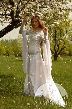 """Abito medievale da sposa """"Isolde"""" di ArmStreet"""