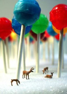 This shows scale and proportion by the lollypops being huge but in real life there small. The deers are smaller than the lollypops. That shows proportion. Kitsch, Miniature Photography, Art Photography, Micro Photography, Forest Photography, People Photography, Amazing Photography, Photo Macro, Elements And Principles