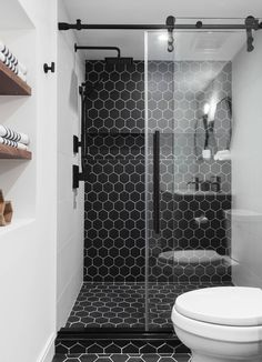 Black Tile Bathrooms, Black And White Tiles Bathroom, Bathroom Tile Designs, Bathroom Interior Design, Dark Tiled Bathroom, Bathroom With Tile Walls, Black Wall Tiles, Grey Bathrooms Designs, Modern White Bathroom