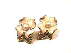 Vintage Trifari Gold Tone and White Faux Pearl Flower by ditbge, $12.25