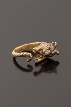 Tiger by SecoJewelry Animal Rings, Animal Jewelry, Brass Jewelry, Jewelry Rings, Jewlery, Jewelry Box, Ring Bear, Elephant Ring, Cool Stuff