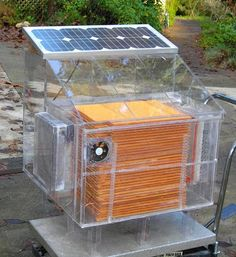 Ellsworth, et al. ( Air to Water Harvest ) technology extracts the humidity in air and converts it into liquid water. is a new generation of solar powered atmospheric water generator device (AWG) which Solar Energy Panels, Best Solar Panels, Solar Energy System, Solar Power, Diy Solar, Atmospheric Water Generator, Solaire Diy, Water From Air, Alternative Energy Sources