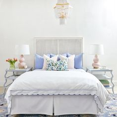 Romantic Bedroom Decor Ideas to Make Your Home More Stylish on a Budget - The Trending House Home Decor Bedroom, Bedroom Decor, Bed, Contemporary Bedroom, Master Bedroom Inspiration, Blue Bedroom, Modern Bedroom, Home Decor, Luxurious Bedrooms