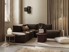 Sofá Modular: Los 10 Más Cómodos y Elegantes Modular Corner Sofa, Modular Sofa, Leather Suppliers, Fabric Suppliers, Showroom, Muuto, Apartment Door, Earth Tone Colors, Armless Chair