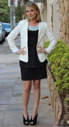 Bom dia meninas!   O Look de hoje é o da Mirella Antunes do BLOG BLAZER E BLUSH.