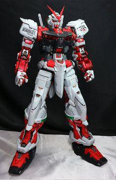 Custom Build: PG 1/60 Gundam Astray Red Frame [Detailed] - Gundam Kits Collection News and Reviews Gundam Toys, Gundam Art, Astray Red Frame, Battle Robots, Perfect Grade, Strike Gundam, Gundam Astray, Gundam Custom Build, Gundam Seed