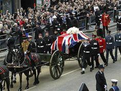 Funérailles à la Churchill pour Margaret Thatcher - http://www.andlil.com/funerailles-a-la-churchill-pour-margaret-thatcher-112738.html