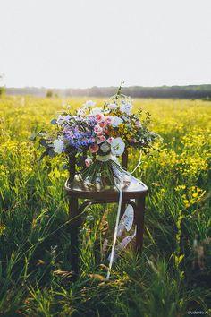 ПОРТФОЛИО #bridalbouquet #weddingbouquet #bouquet  #blue #eucalyptus #flowers #flower #wedding #weddingday #lovestory #photosession #whitewedding #bluewedding #blue #dilfinium  #couch #rosebush #rose  #summerphotoshoot #photo #eustoma  #yellow #field #букет #эустома #эвкалипт #кустоваяроза  #полевыецветы #поле #свадьба #невеста  #идеядляфотосесии #летняяфотосессия #свадебныйдень