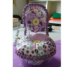 Artes Ana Vilela na pascoa Plastic Art, Recycle Plastic Bottles, Diy Barbie Furniture, Pin Cushions, Bean Bag Chair, Sewing Crafts, Diy And Crafts, Projects To Try, Quilts