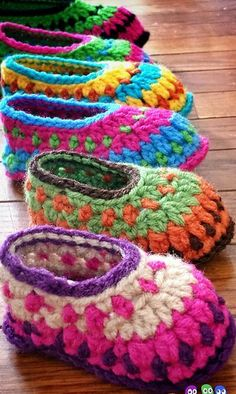 Crochet Baby Booties Galilee Booties By Tara Murray - Purchased Crochet Pattern - (ravelry) - View all Mamachee Patterns here: Crochet Booties Pattern, Crochet Baby Booties, Crochet Slippers, Baby Crochet Patterns, Baby Slippers, Stitch Patterns, Love Crochet, Crochet For Kids, Knit Crochet